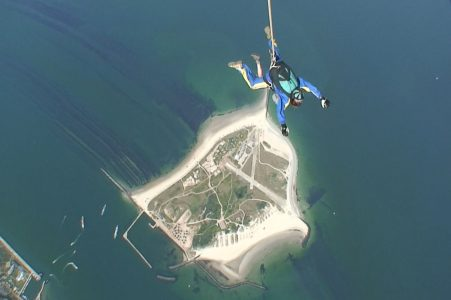 Fallschirmspringen über Helgoland